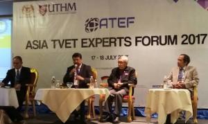 Dr. Raul F. Muyong, (left)