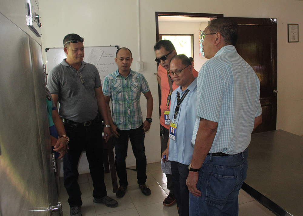 Mr. Florello Abines (right), USAID Technical and Development Manager,  discusses the benefits of the project with ISAT U officers. In photo are (from right) Dr. Rene L. Celda, CIT Dean; Engr. Pablo N. Minerva, Jr.; Dr. Carmelo V. Ambut, VPRE and Dr. Raul F. Muyong, ISAT U President.