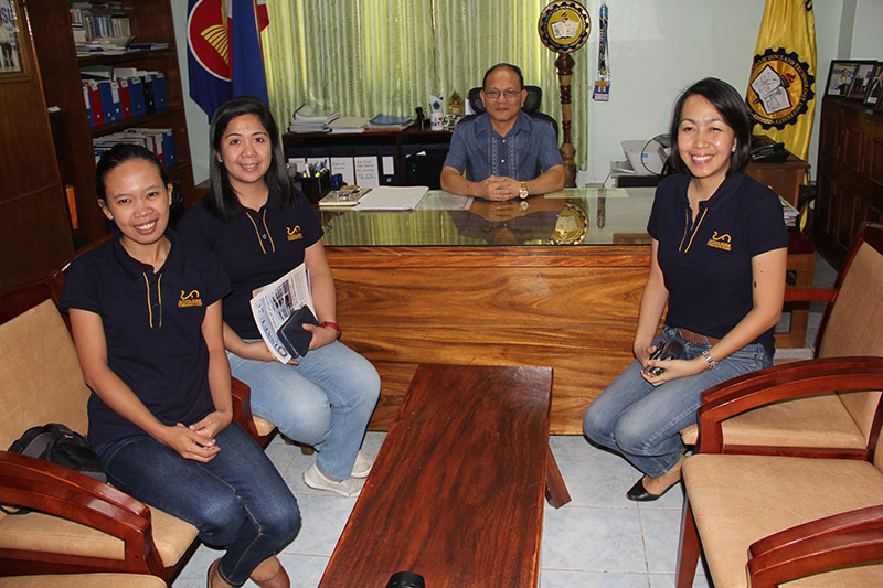 The National Museum staff visited ISAT U on November 16 to explore possibilities of collaborative partnership and the development of programs that will help the students develop appreciation and passion for history and culture of Western Visayas as well as prepare them for careers in historic preservation, community documentation and cultural development programs. In photo are (from right) Ms. Honey P. Beso, Supervising Administration Officer; Ms. Iris N. Millamena, Administrative Officer V and Ms. Merlyn Geromiano, Museum Researcher.